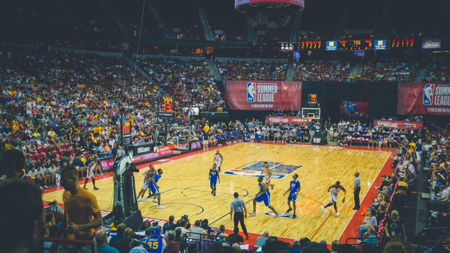 gswbasketball 905x509 - The Golden State Warriors Are Odds-On Favorites to Win This Season